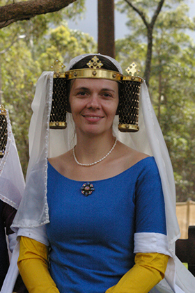 C14th Gold Metal Templars with Pearl edged Silk Veil